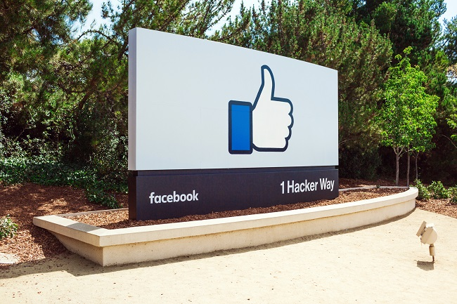 Facebook ficha al director de marketing de HP